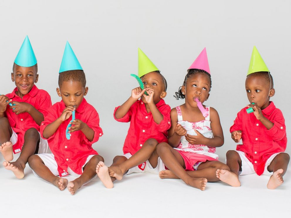 PHOTO: Mia and Rozonno (Ro) McGhee with the McGhee sextuplets from Six Little McGhees celebrate their 4th birthday.