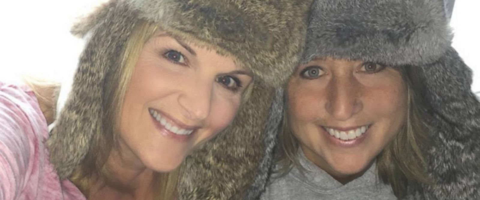 """PHOTO: Trisha Yearwood posted this photo to Instagram on Jan. 23, 2016 with the caption, """"Coffee cheers! Going LIVE on Facebook in 1 hour. What do YOU want to talk about? Stop by and say Hi! Xo Trisha"""""""