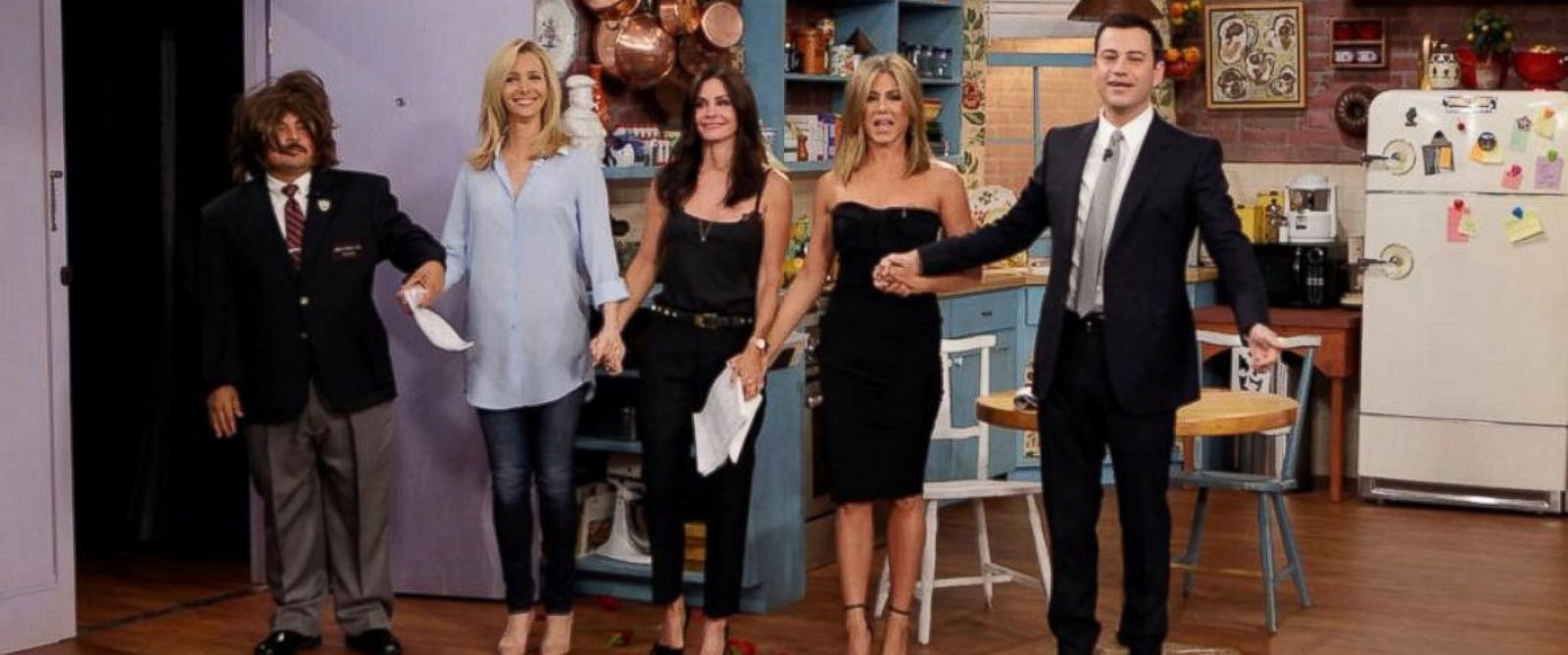 "PHOTO: ""Friends"" co-stars Lisa Kudrow, Courteney Cox and Jennifer Aniston appear with Jimmy Kimmel and Guillermo Rodriguez on ""Jimmy Kimmel Live,"" Aug. 27, 2014."