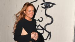 PHOTO: Lindsay Lohan Steps Out in London