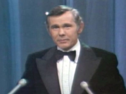 VIDEO: Johnny Carson jokes about Jerry Lewis large fan base in France.