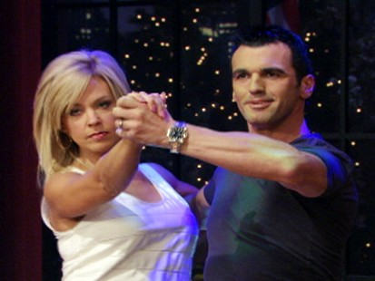 """VIDEO: Kate Gosselin takes her tango to """"Live! With Regis and Kelly."""""""