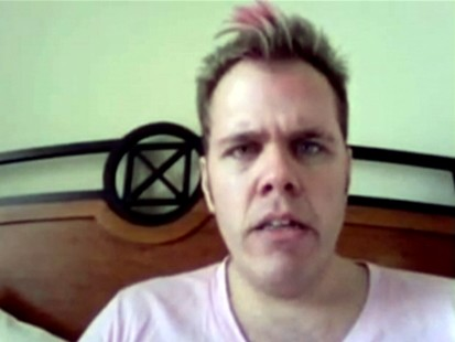 VIDEO: Perez Hilton accuses Black Eyed Peas manager of punching him.