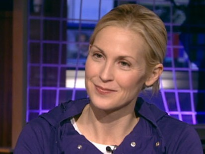 VIDEO: The actress talks about her hit show, being a working mom and staying in shape.