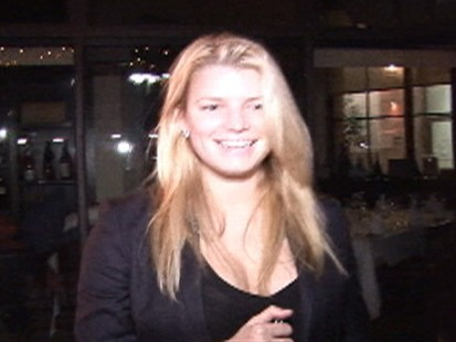 VIDEO: Jessica Simpson lauighs at what John Mayer said about her.