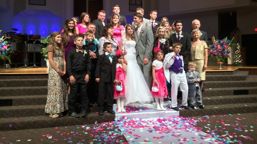 how a family of 21 throws a wedding abc news