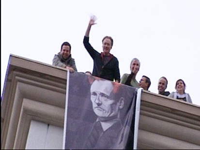 VIDEO: Conan OBrien fires up a crowd of supporters gathered outside his studio.