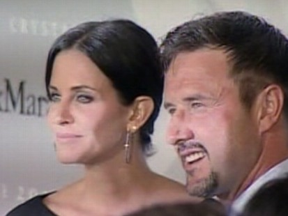 Video: Courtney Cox and David Arquette try trial separation.