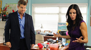 "PHOTO Brian Van Holt and Courteney Cox are shown in a scene from ""Cougar Town."""