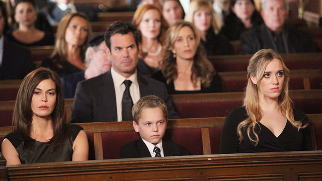 """PHOTO: Teri Hatcher, left, is shown in a scene from """"Desperate Housewives""""."""
