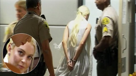abc lindsay lohand cuffs jp 111019 wblog Lindsay Lohan Gets Probation Revoked, Led Out of Court in Handcuffs