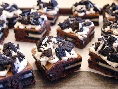 PHOTO: Lauren Torrisis Oreo cheesecake brownies are shown here.