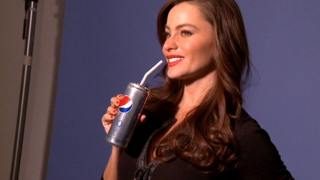 VIDEO: Behind the scenes of Sofia Vergaras diet Pepsi photo shoot.