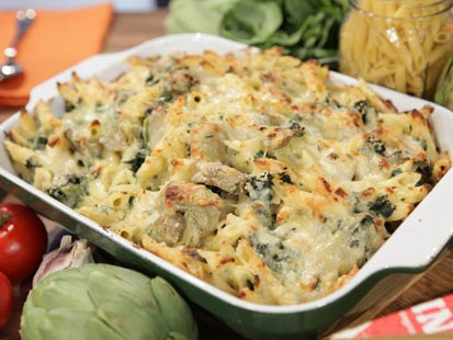 PHOTO: Rachael Rays spinach and artichoke macaroni and cheese is seen here on Good Morning America.