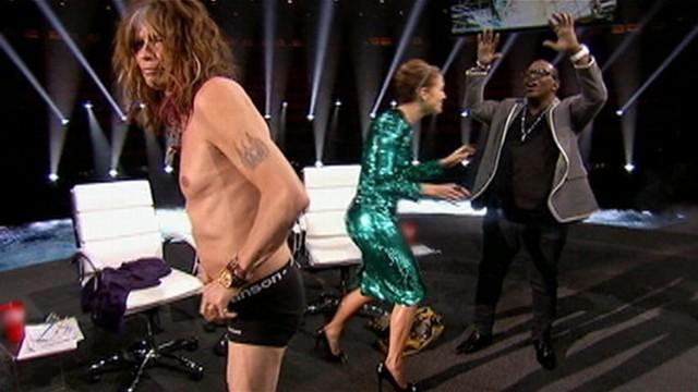 VIDEO: Steven Tyler moons camera at Las Vegas taping.
