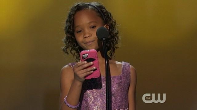 "VIDEO: ""Beasts of the Southern Wild"" star reads acceptance speech off her mobile phone."