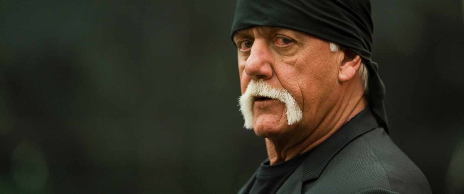 PHOTO: Former professional wrestler Hulk Hogan arrives in the courtroom, March 16, 2016, in St. Petersburg, Fla.