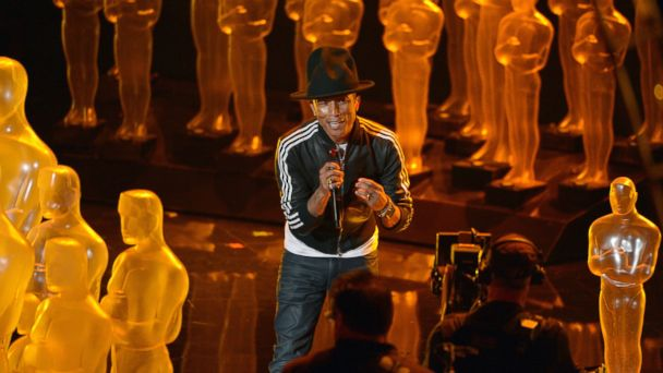 """PHOTO: Pharrell Williams performs """"Happy"""" during the Oscars at the Dolby Theatre on March 2, 2014, in Los Angeles."""