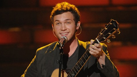 fox phillip phillips lpl 120525 wblog American Idol Champ Phillip Phillips Considered Dropping Out