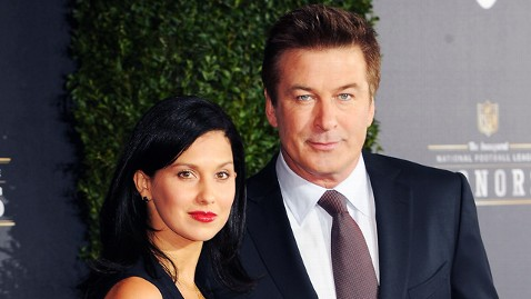 gty alec baldwin hilaria thomas dm 120322 wblog Alec Baldwin Sends Twitter Followers to Attack Girlfriends Tormentor