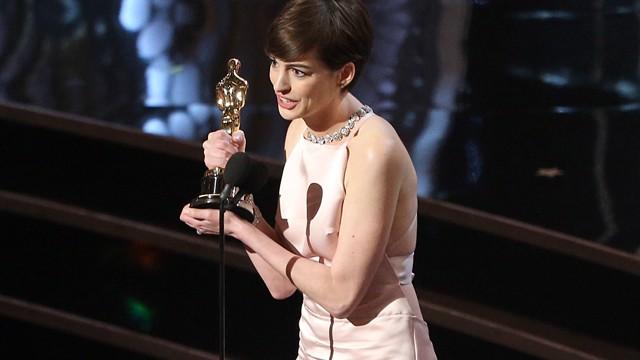 Anne Hathaway O... Anne Hathaway Oscar Incident