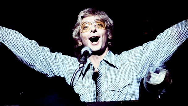 "PHOTO: Barry Manilow during ""Barry Manilow in Concert,"" 1976 in New York City."