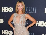 """PHOTO: Beyonce Knowles attends """"Beyonce: Life Is But A Dream"""" New York Premiere  at Ziegfeld Theater, Feb. 12, 2013 in New York City."""