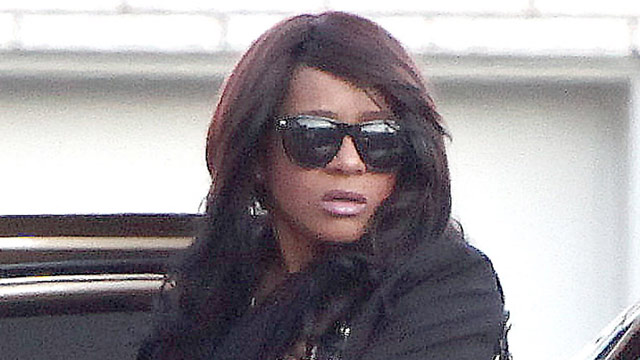 PHOTO: Bobbi Kristina entering funeral home friday