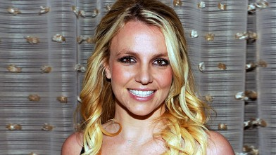 PHOTO: Singer Britney Spears arrives at Clive Davis and the Recording Academy's 2012 Pre-GRAMMY Gala held at The Beverly Hilton Hotel, in Beverly Hills.