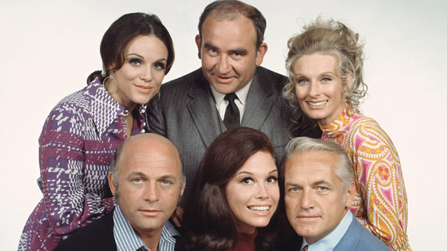 PHOTO: 'The Mary Tyler Moore Show' featuring cast members, clockwise from top left, Valerie Harper (as Rhoda Morgenstern); Edward Asner (as Lou Grant); Cloris Leachman (as Phyllis Lindstrom); Ted Knight (as Ted Baxter); Mary Tyler Moore (as Mary Richards)