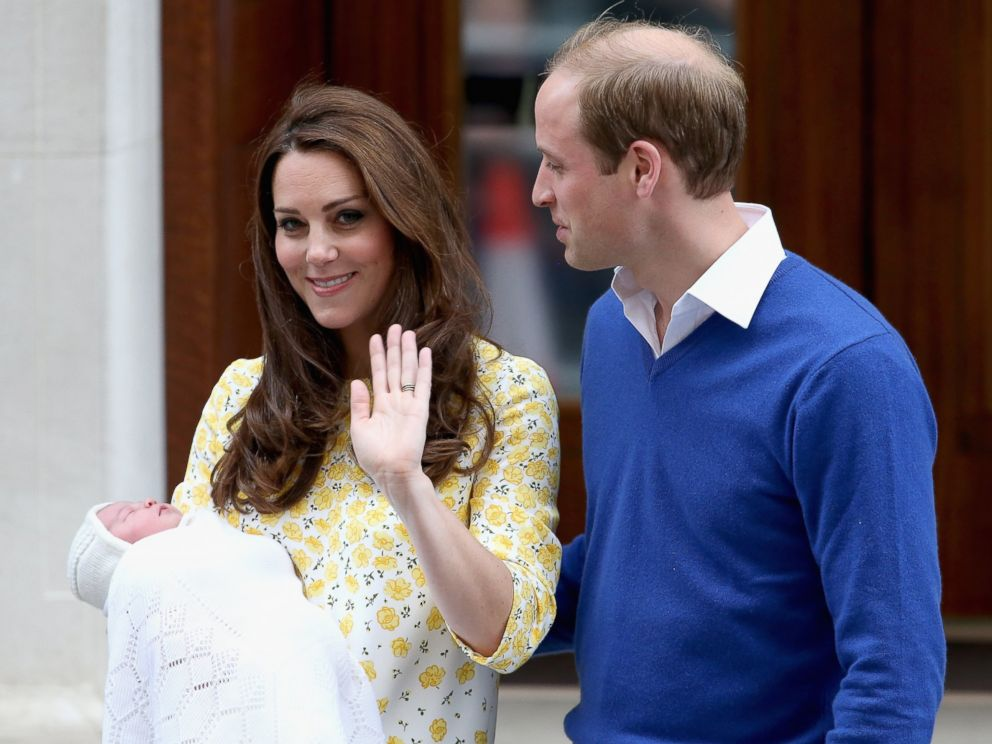 PHOTO: Catherine, Duchess of Cambridge and Prince William, Duke of Cambridge depart the Lindo Wing with their newborn daughter at St Marys Hospital on May 2, 2015 in London.