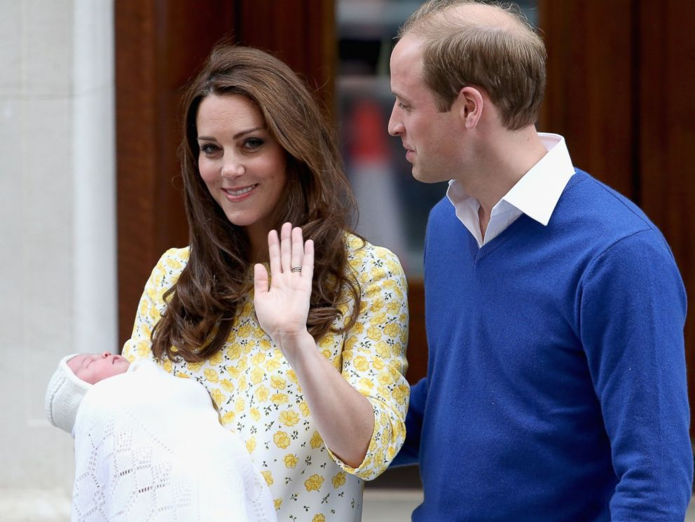 PHOTO: Catherine, Duchess of Cambridge and Prince William, Duke of Cambridge depart St. Marys Hospital with Princess Charlotte on May 2, 2015 in London.