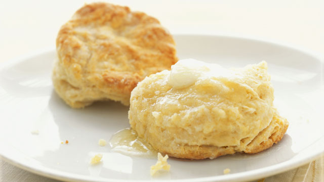 PHOTO: GMA Recipes: Cheddar Biscuits