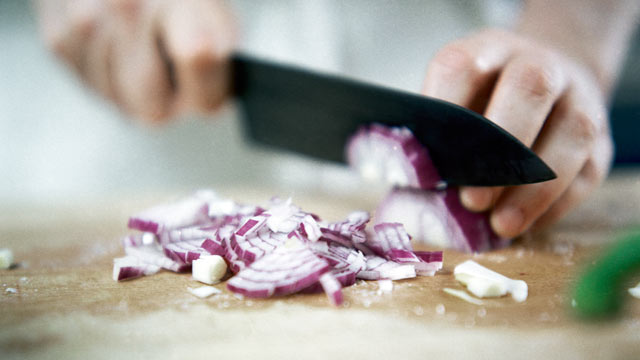 PHOTO: Chef Sara Moulton explains the easiest way to cut an onion.