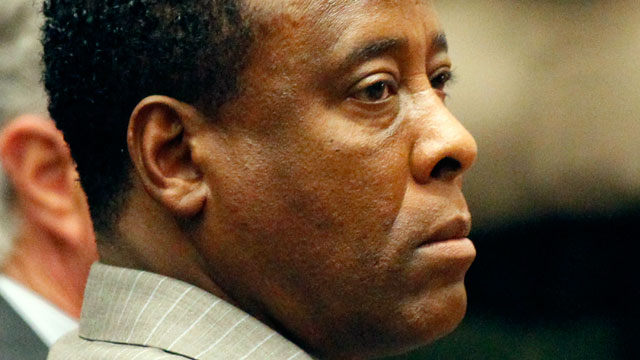 PHOTO: Dr. Conrad Murray listens to the verdict in his involuntary manslaughter trial at the Los Angeles Superior Court on Nov. 7, 2011 in Los Angeles, Cali.