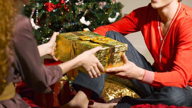 """PHOTO: Sometimes its tough to know what to get the people on your holiday shopping list. Let """"GMA""""s gift-giving survival guide help."""