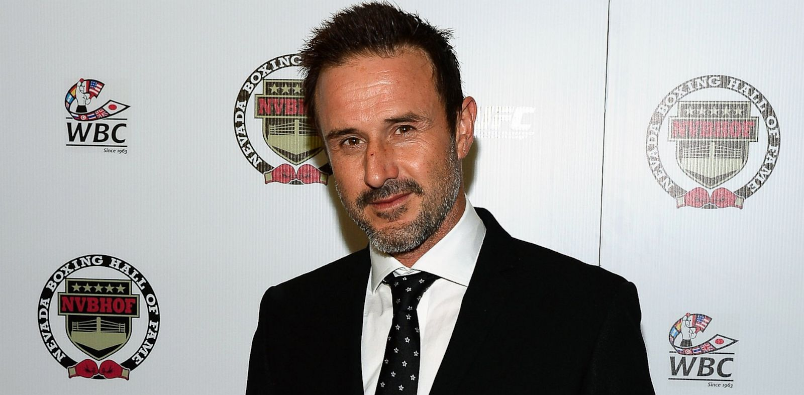 PHOTO: Actor David Arquette arrives at the Nevada Boxing Hall of Fame inaugural induction gala at the Monte Carlo Resort and Casino on August 10, 2013 in Las Vegas, Nevada.