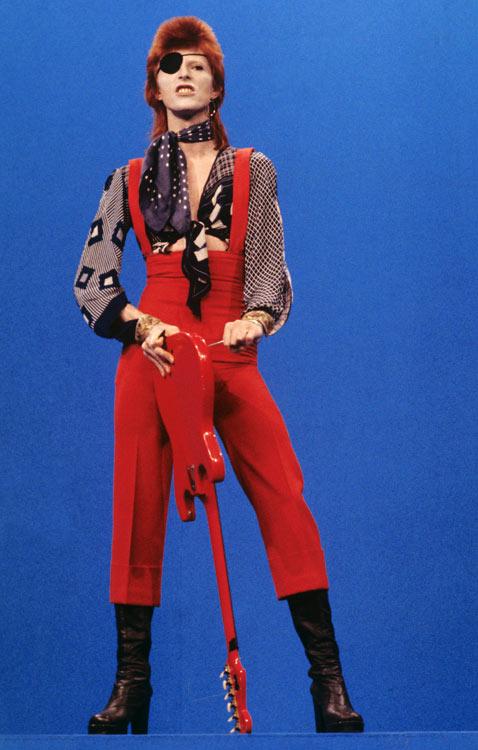 gty david bowie ziggy red patch 1972 thg 120605 wblog Ziggy Stardust 40th Anniversary