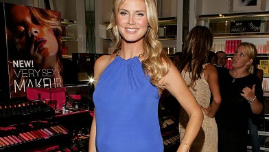 PHOTO: Heidi Klum attends Victoria's Secret Very Sexy Makeup Launch held on July 31, 2006.