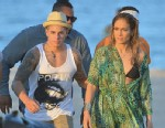 PHOTO: Jennifer Lopez and Casper Smart