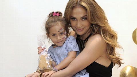 gty jennifer lopez emma thg 120507 wblog Jennifer Lopez Says Having More Kids Would Be a Blessing