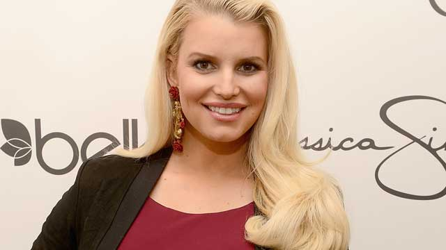 PHOTO: Jessica Simpson, wearing Jessica Simpson Maternity, visits Belk Southpark on March 23, 2013 in Charlotte, North Carolina.