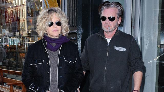 PHOTO: Actress Meg Ryan and singer John Mellencamp leave E.A.T. restaurant, Jan. 5, 2011 in New York City.