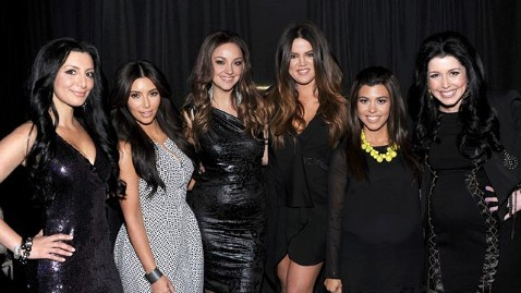 gty kardashian snl lpl 120502 wblog The Kardashian Clan Meets Their SNL Impersonators
