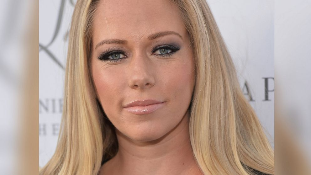 How Kendra Wilkinson Protected Her Son From Her Marital ...