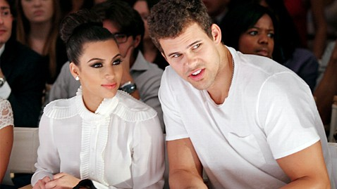 gty kim kardashian kris humphries ll 111101 wblog Kim Kardashians Divorce Could Put Show in Peril