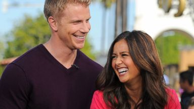 """PHOTO: Sean Lowe (L) and Catherine Giudici visit """"Extra"""" at Universal Studios Hollywood, Jan. 23, 2014 in Universal City, Calif."""