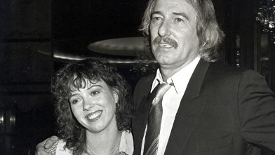 PHOTO: Mackenzie Phillips and father John Phillips of The Mamas & The Papas aarrive at the Electra Asylum Party For Richard Perry, Nov. 2, 1981.