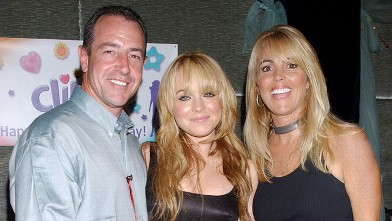 PHOTO: Lindsay Lohan with her father Michael Lohan and mother Dina Lohan.