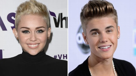 gty miley cyrus justin bieber thg 130103 wblog Miley Cyrus Criticizes Paparazzi After Justin Bieber Accident